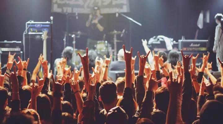 申请注册了10余件涉乐团名称、名人姓名、著名社团名称的商标!